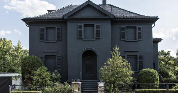 Die schwarze Villa