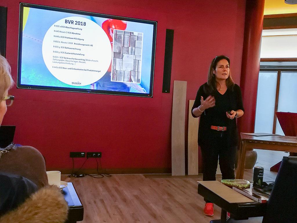 Fachvortrag von Manuela Reibold-Rolinger - Fachanwältin für Bau- und Architektenrecht, Fernsehmoderatorin und Autorin
